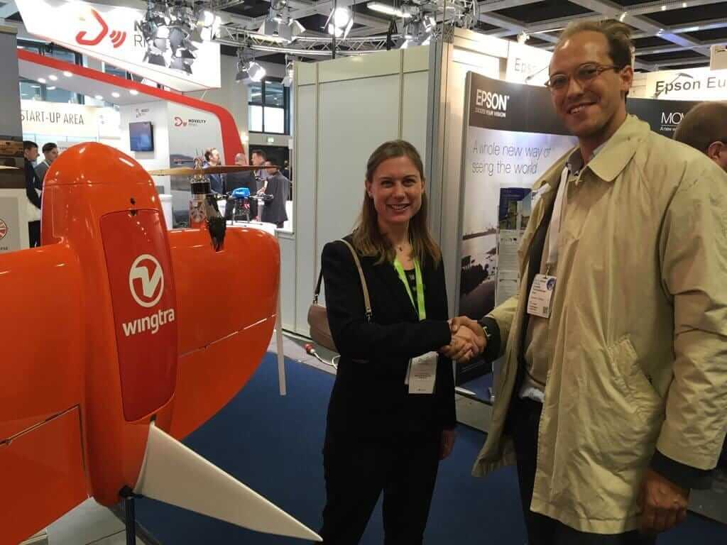 Caroline Bailey and Leopold Flechsenberger seal the Wingtra and Pix4D partnership with a handshake